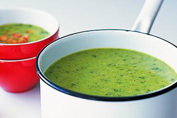 How to cook Fresh pea, bacon & zucchini soup