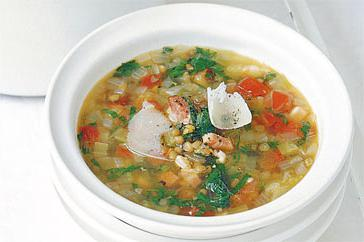 How to cook Lentil, pancetta & spinach soup