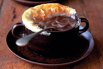 How to cook Onion soup with pastry crust