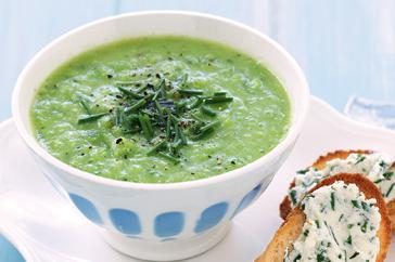 How to cook Pea, zucchini & mint soup